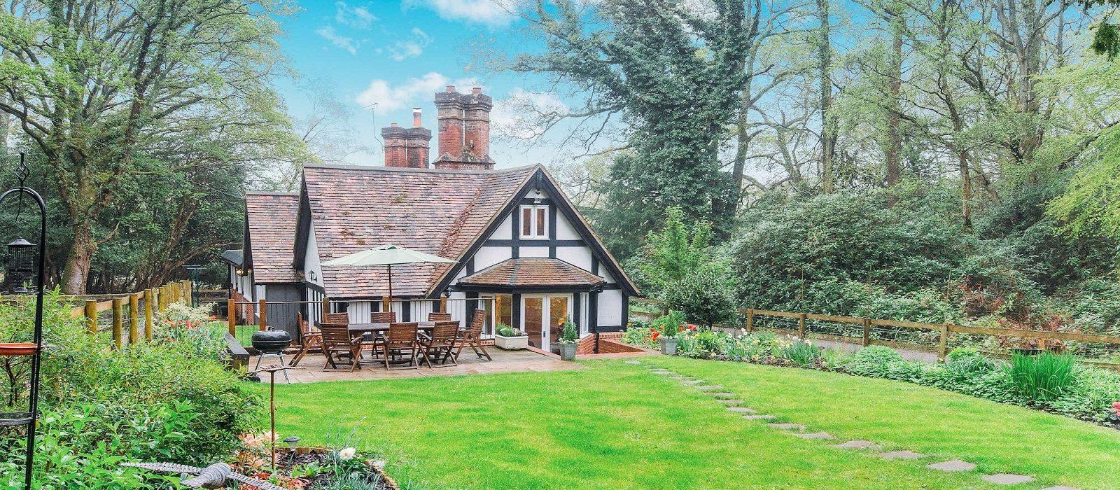 family-cottage-hampshire-p8162106